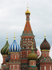 Fototapeta na wymiar St. Basil cathedral on the Red Square, Moscow