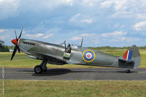 Fotografía Supermarine Spitfire at the airfield