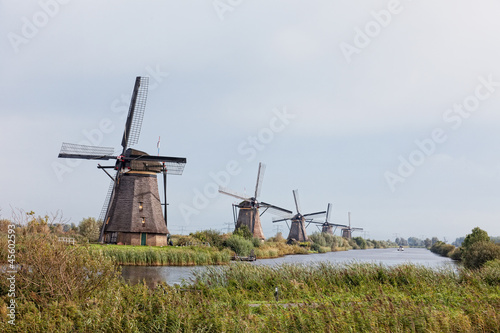 Tuinposter Molens Windmill in Kinderdijk, Holland
