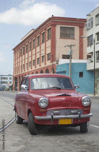 Deurstickers Cubaanse oldtimers Red old car