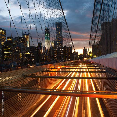 Naklejka dekoracyjna Manhattan skyline from the Brooklyn bridge at dusk