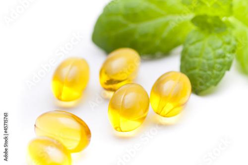 Fotografia, Obraz Fish oil nutritional supplement capsules