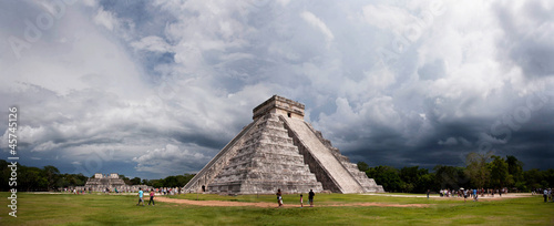 Poster Mexico Mayan pyramid, the panorama of Chichen Itza, Mexico