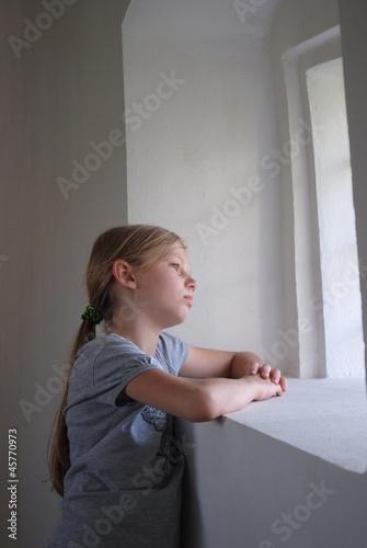 Fotografia, Obraz  Zamyślona dziewczynka