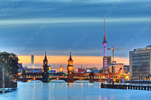Berlin Fernsehturm Oberbaumbrücke