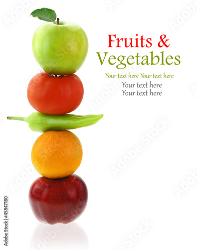 Poster Vruchten Fresh fruits and vegetables isolated on white