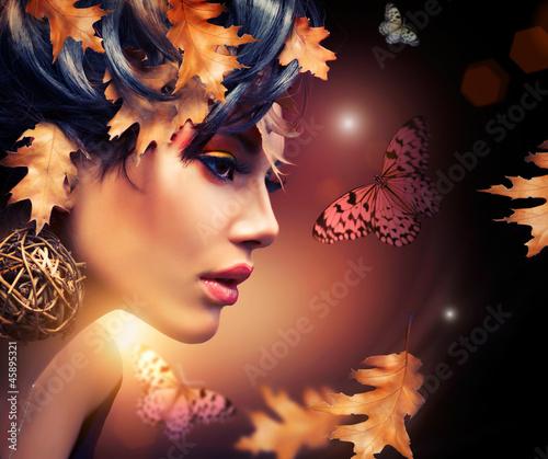 Naklejka premium Jesień kobiety mody portret. Spadek