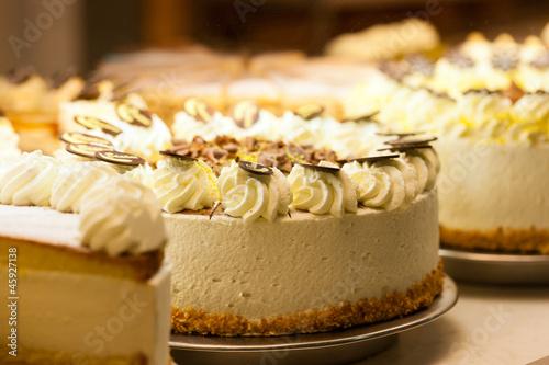 Fotografie, Obraz  Torte in einer Bäckerei