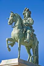 Statue équestre De Louis XIV ...