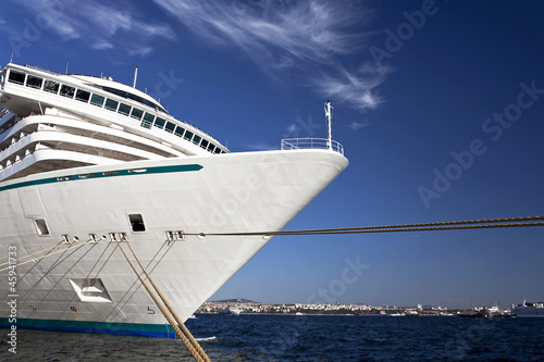 Cruise 1 © milotus