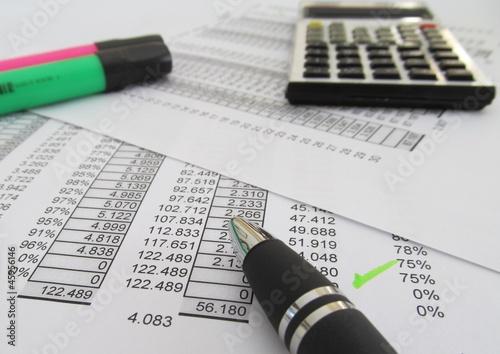 Photo analisis de pago de deudas e impuestos