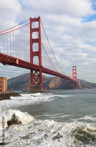 golden-gate-bridge-w-san-francisco-w-kalifornii