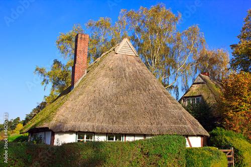 Reetdachhaus Kaufen Sie Dieses Foto Und Finden Sie Ahnliche Bilder
