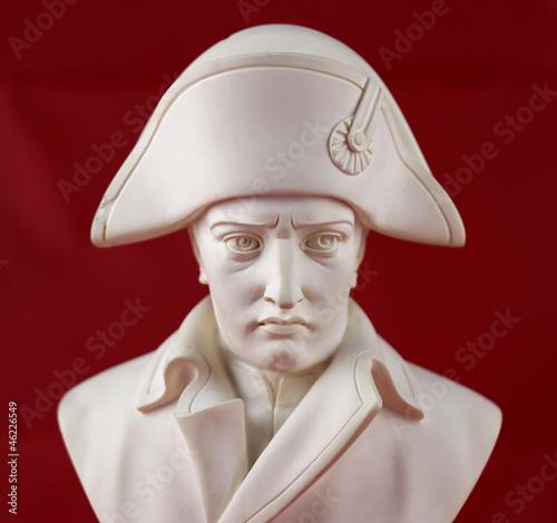Photo Sculpture portrait en albâtre de  Napoléon Bonaparte