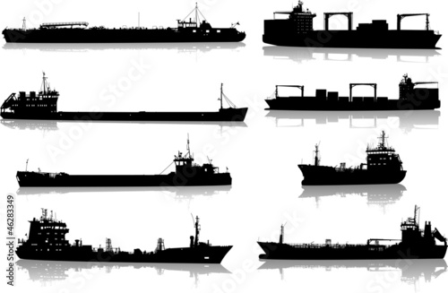 Set of silhouettes of the sea cargo ships Fototapete