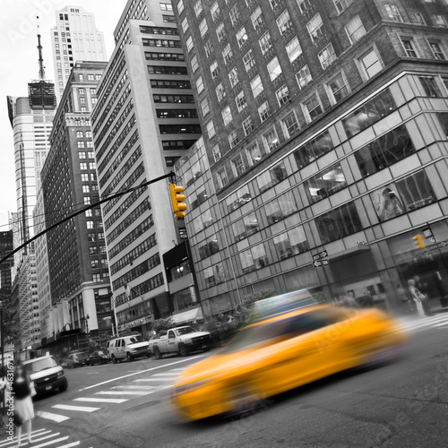 Taxis couleur sélective, carré  - New York, USA
