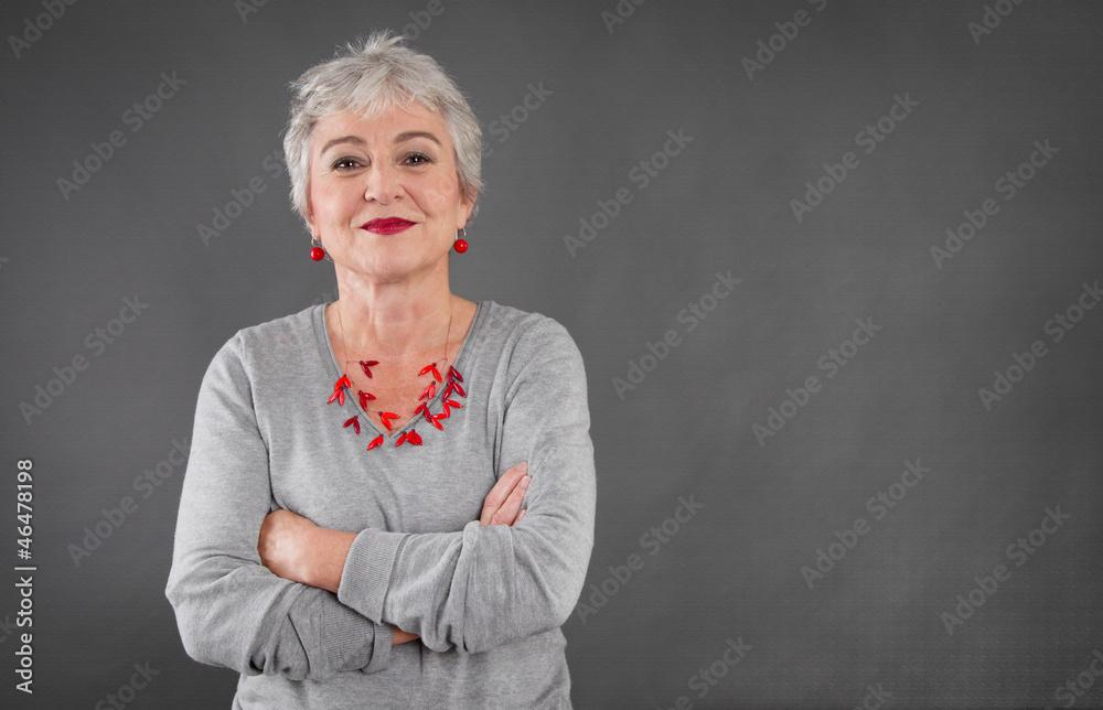 Fototapeta Selbstbewusste ältere Dame