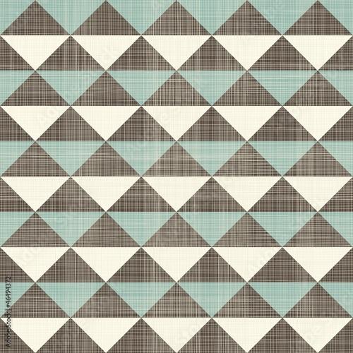wzor-retro-geometryczne-trojkaty