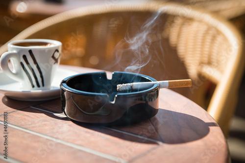 burning cigarette Fototapeta