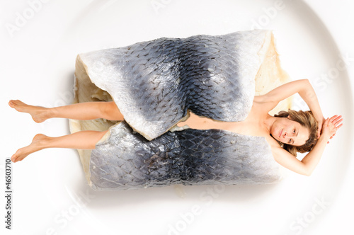 Fotografie, Obraz  Woman wrapped in fish