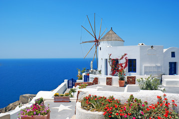 Panel SzklanyTraditional architecture of Oia village at Santorini island in G