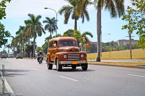Deurstickers Cubaanse oldtimers American classic cars in Havana.