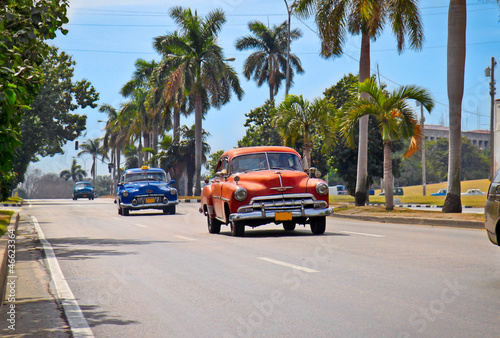 Photo sur Toile Voitures de Cuba American classic cars in Havana.