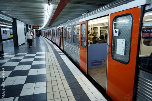 Obraz U-Bahn-Station St. Pauli - fototapety do salonu