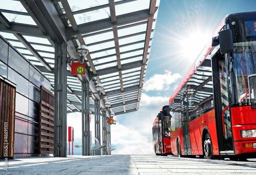 Foto op Canvas Spoorlijn Moderner Busbahnhof Haltestelle mit Bus - modern Bus Station