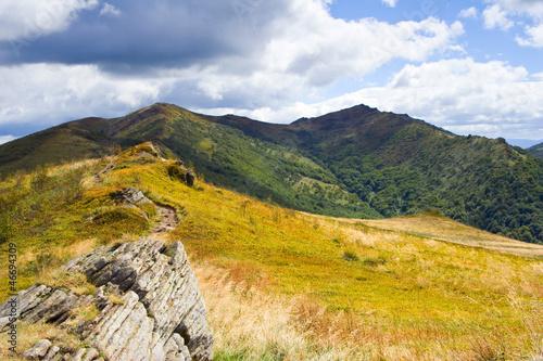 beautiful-autumn-mountain