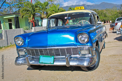 Photo sur Toile Voitures de Cuba Classic Chevrolet on January 20,2010 in Santiago de Cuba.