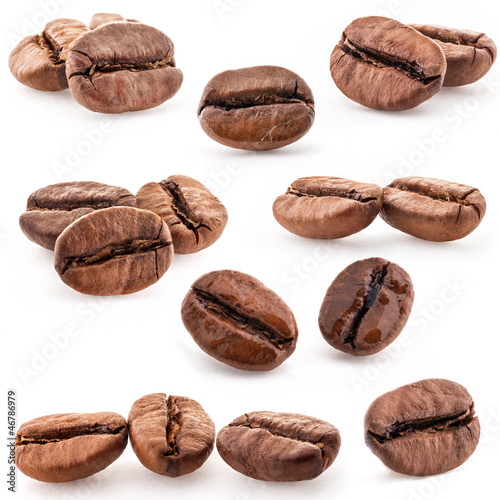 Foto op Canvas Koffiebonen Collection of Coffee beans isolated on white background, closeup