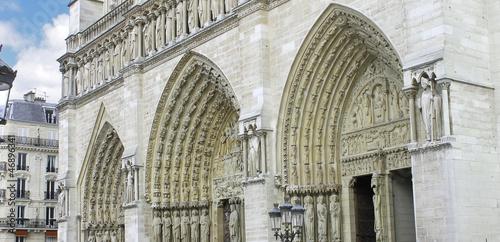 Valokuva  Facade of Notre Dame de Paris. France