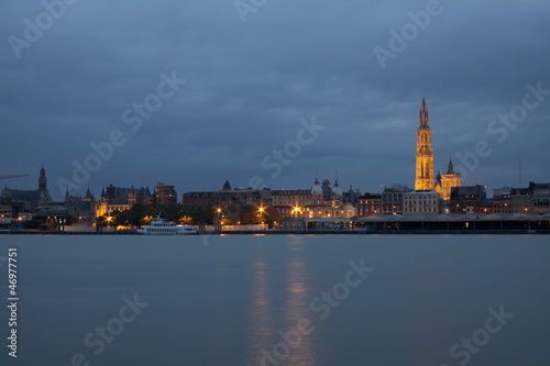 A night shot of the skyline of Antwerp