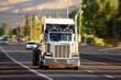 Amerikanischer Truck auf Fahrt
