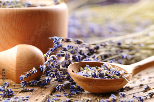 Photo  Pestle and mortar with lavender