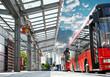 canvas print picture - Moderne Bushaltestelle mit Stadtbus - Urban Bus Station