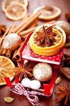 Star Anise, Cinnamon, Cardamom. Christmas Spices.