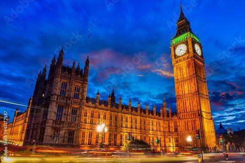 swiatla-big-ben-tower-w-londynie