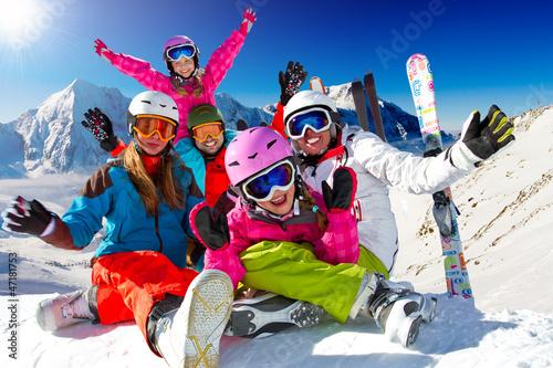 Foto-Schmutzfangmatte - Ski, snow, sun and winter fun - happy family ski team (von Gorilla)