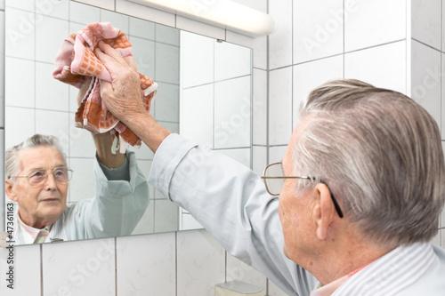 Foto  Reinigungsgroßvater