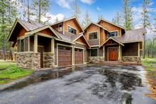 Large Mountain Cabin House Wit...