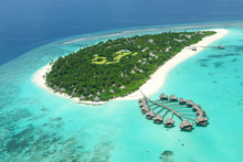 Tropical Island In Indian Ocean Maldives