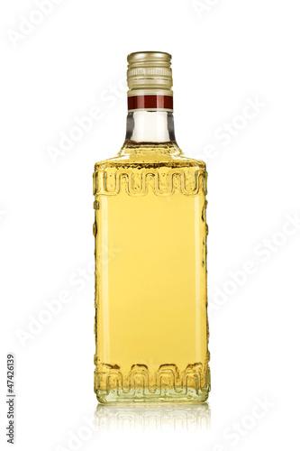 Carta da parati Bottle of gold tequila