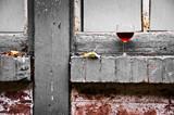 Verre de vin rouge, saturation sélective - 47487765
