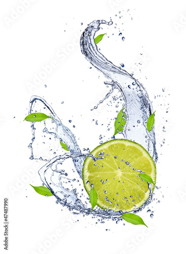 Spoed Foto op Canvas Opspattend water Lime falling in water splash, isolated on white background