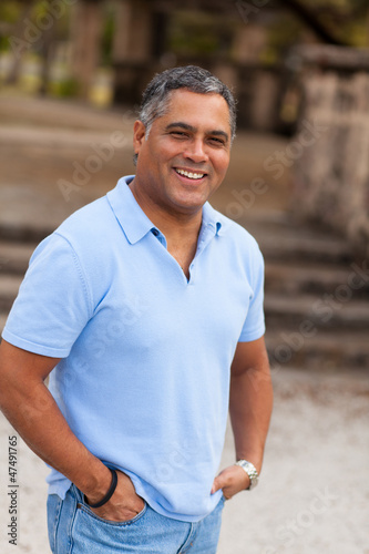 Fotografia  Handsome Hispanic Man
