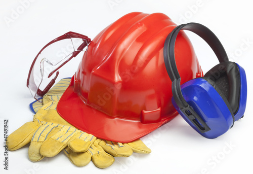 Fotografía  Red safety helmet with earphones and goggles