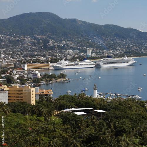 Fényképezés  Cruise ships in Acapulco - Mexico