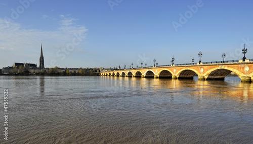 Foto op Plexiglas Stad aan het water Pont de pierre